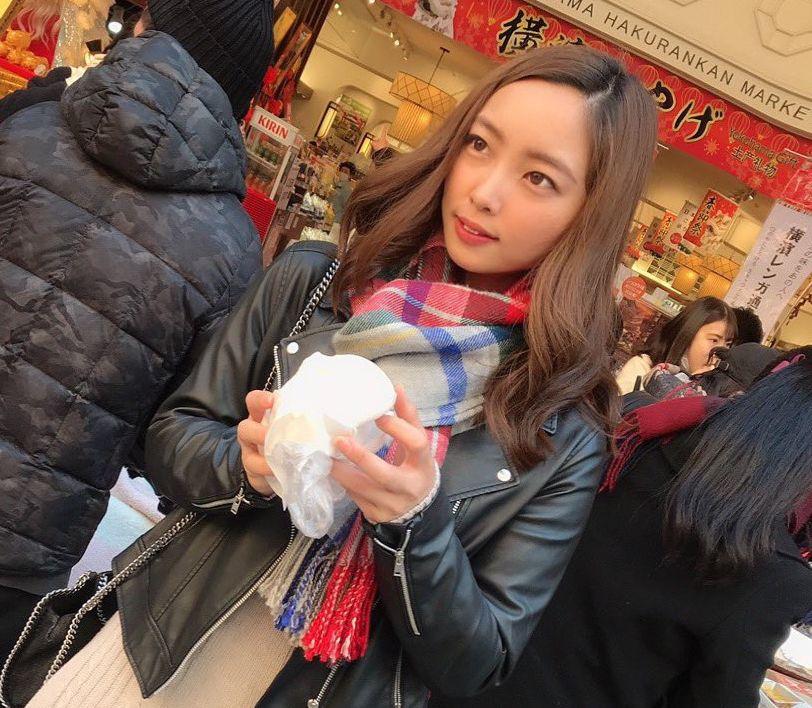 笹川萌(茶髪美人OL野球女子)