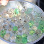 山口県の民家で見つかった謎の球体の正体は?消臭ビーズの吸水性ポリマー?