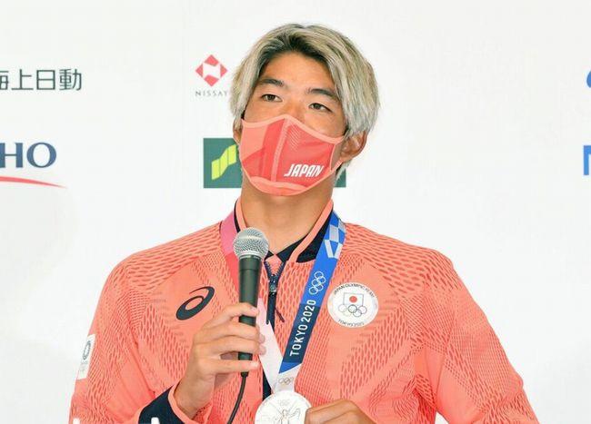 オリンピック日本代表オレンジのマスク